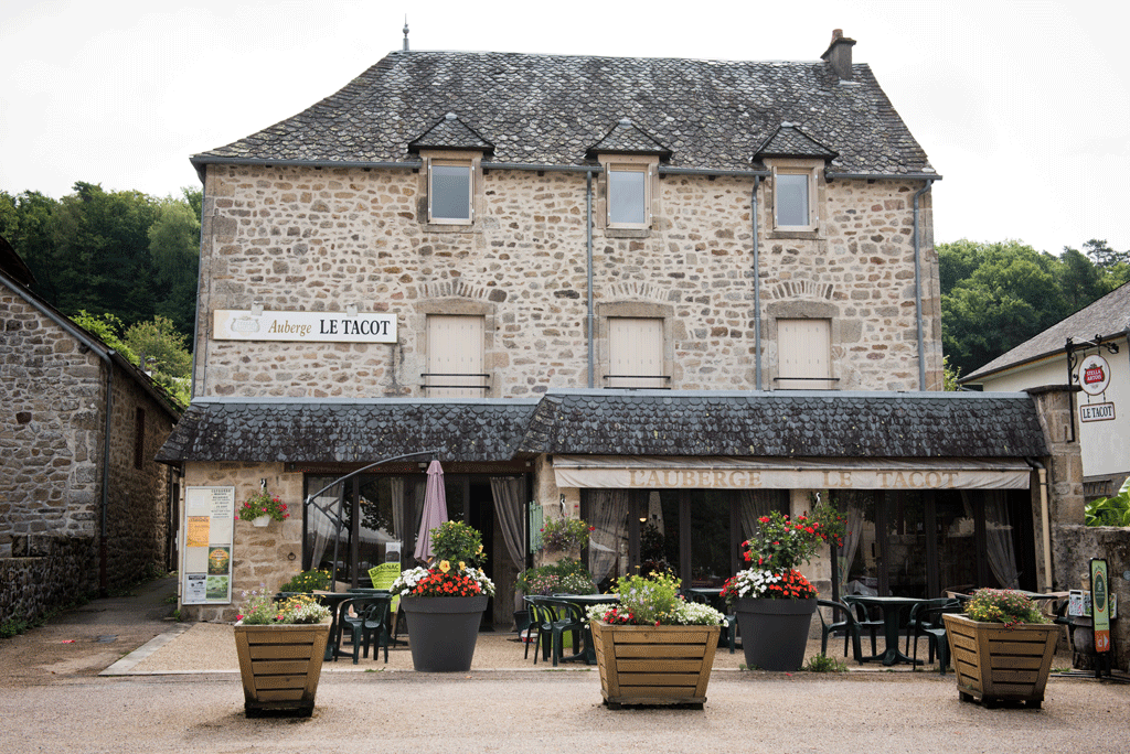Où manger en terrasse ? Auberge Le Tacot ©Nadia Mauleon
